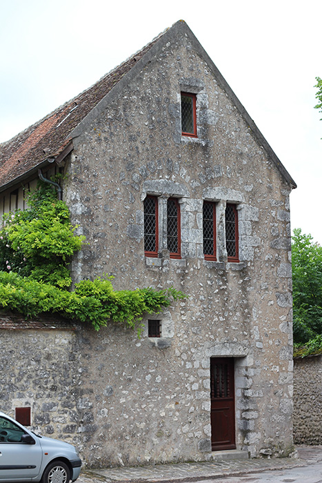 "A ""mixed use"" structure in Provins."