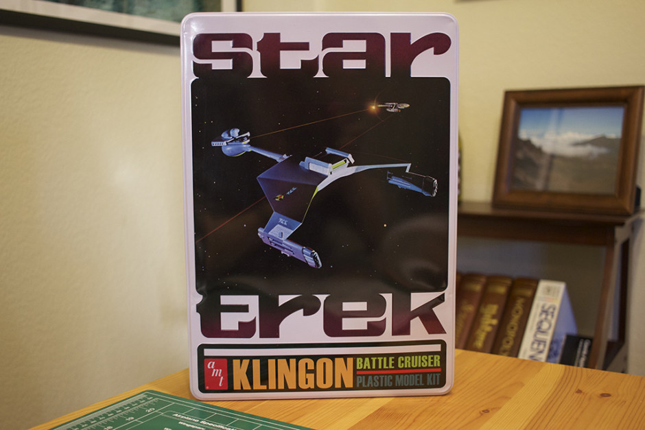 "AMT'S ""Klingon Battle Cruiser"" model kit, in collectors tin."